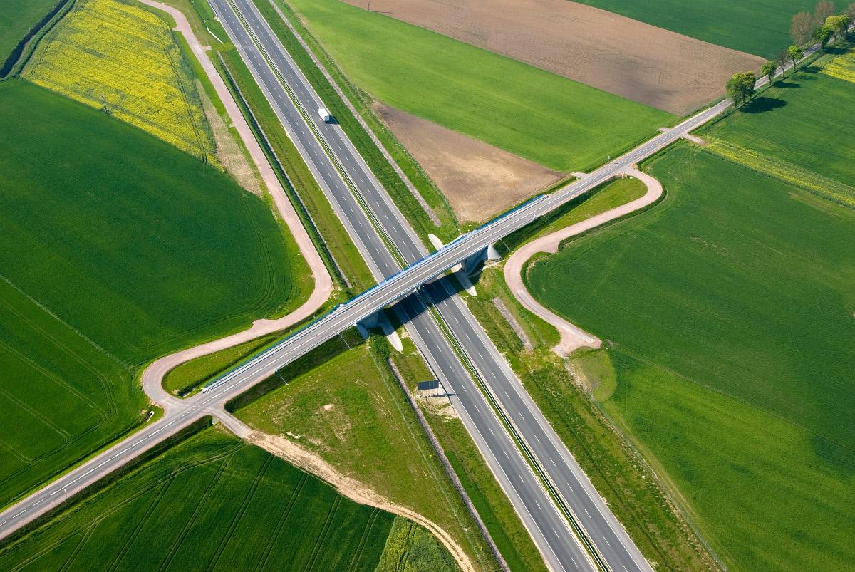 Budowa Autostrady A1 – największa inwestycja infrastrukturalna na Pomorzu realizowana była w formule partnerstwa publiczno-prywatnego. Mowa o północnym odcinku autostrady A1 Gdańsk–Toruń, o długości 152 kilometrów. Jest to projekt o dużym znaczeniu dla polskiego systemu transportowego.