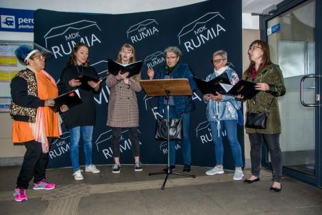 """Koncert zespołu wokalnego """"Muzaika""""."""