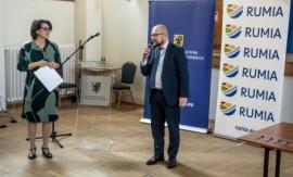 """Po podpisaniu deklaracji powołania inicjatywy """"Pomorska Platforma Rozwoju Morskiej Energetyki Wiatrowej na Bałtyku""""."""