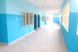 Wnętrze budynku szkoły.