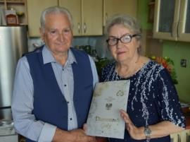 Państwo Juliusz i Eryka Dettlaffowie obchodzący 60. rocznicę ślubu.