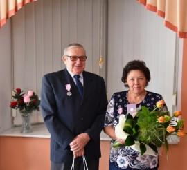 Państwo Zygmunt i Krystyna Bistramowie obchodzący złote gody (50-lecie ślubu).