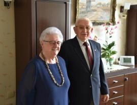 Państwo Zygmunt i Zofia Wegnerowie obchodzący 60. rocznicę ślubu.