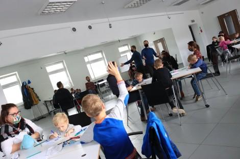 Uczestnicy spotkania z Łukaszem Kowalczukiem – Stwórzmy Potwora, fot. Aleksandra Barankiewicz