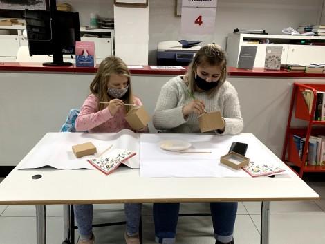 Uczestnicy warsztatów Kaszubska Szkatułka, fot. Anna Sabara