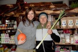 Mikołaj Szreder wraz z żoną.