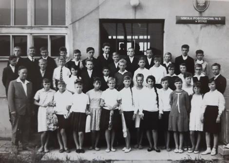 Historyczne zdjęcie szkoły