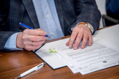 Moment podpisania umowy.