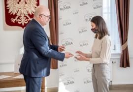 Katarzyna Szczepańska podczas odbierania nagrody