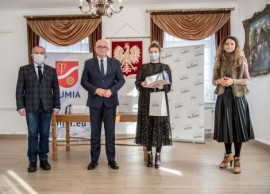 Teresa Płotkowiak podczas odbierania nagrody