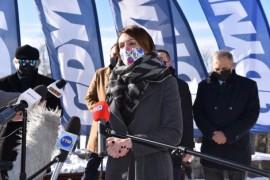 Przemawiająca Beata Rutkiewicz, wiceprezydent Wejherowa do spraw rozwoju miasta