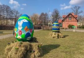 Pisanki XXXL oraz ozdoby wielkanocne, które można było podziwiać w parku Starowiejskim
