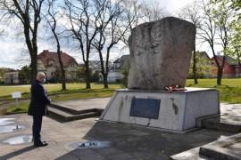 Obelisk znajdujący się przy ul. Chełmińskiej, który poświęcony jest bohaterom walk z faszyzmem niemieckim
