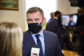Burmistrz Rumi Michał Pasieczny udzielający wypowiedzi na temat porozumienia