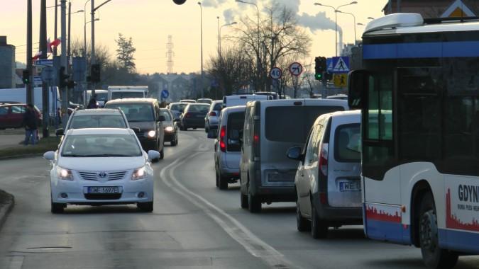 Zmiana organizacji ruchu na skrzyżowaniu ulic Dębogórskiej, Kościelnej i Mickiewicza