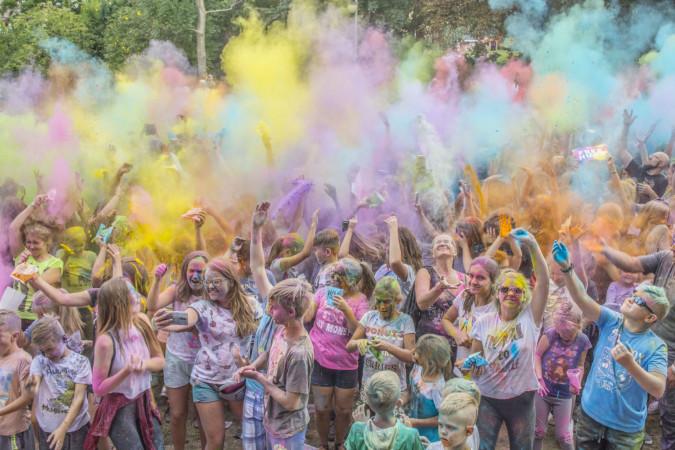 Radośnie i kolorowo powitali nowy rok szkolny