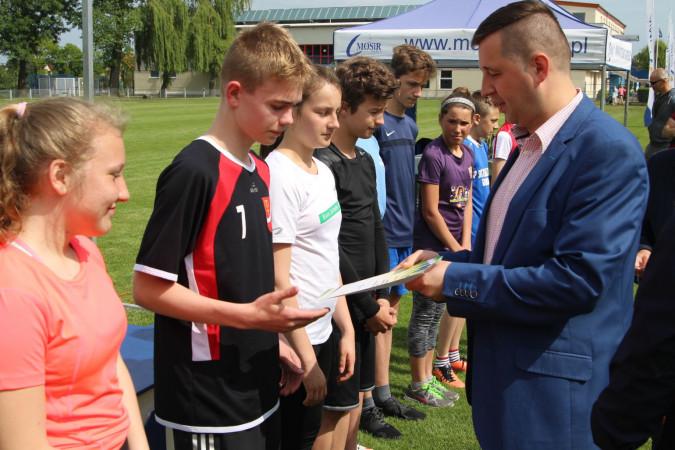 Młodzi sportowcy wyróżnieni