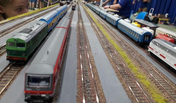 Zabytkowe koleje zajechały do MOSiR-u