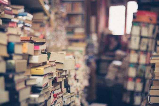 """Zbiórka książek """"Kupiłeś – Przeczytałeś – Podaruj Bibliotece"""""""