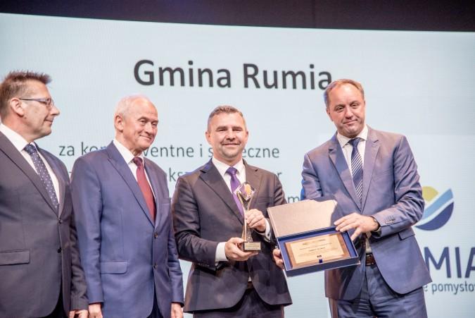 """Rumia otrzymała """"Bursztyn Polskiej Energetyki"""""""