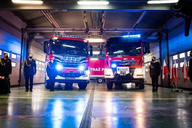 Rumscy strażacy otrzymali nowy samochód ratowniczo-gaśniczy