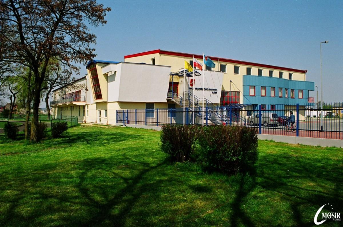Hala MOSiR-u zbudowana w 2000 roku.