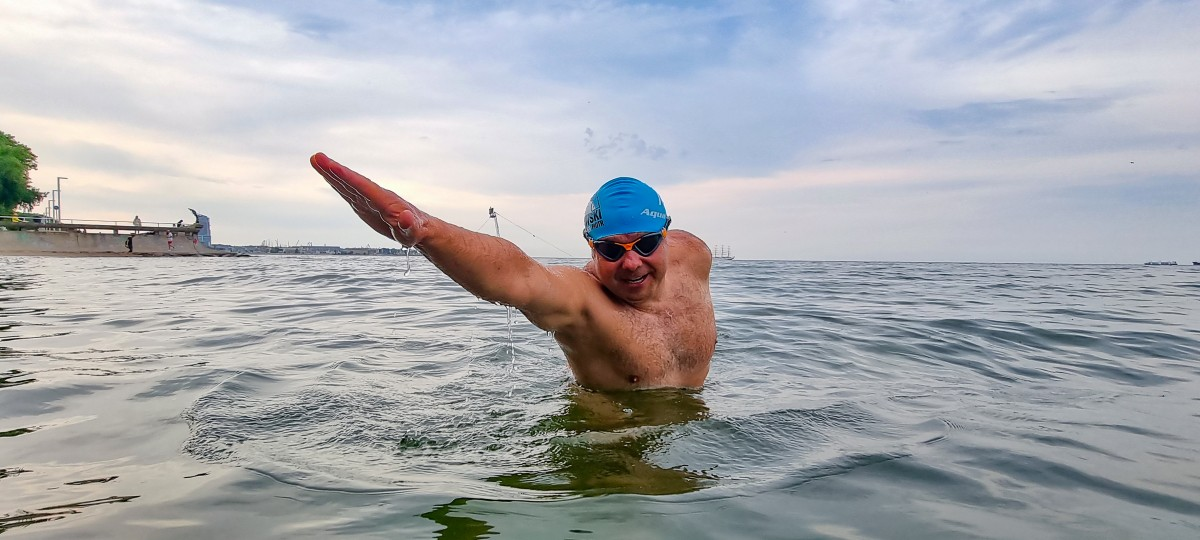 Popłynie przez Kanał La Manche dla Fundacji Ronalda McDonalda