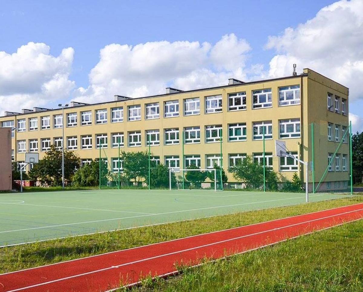 Szkoła Podstawowa nr 8 im. ks. Stanisława Ormińskiego