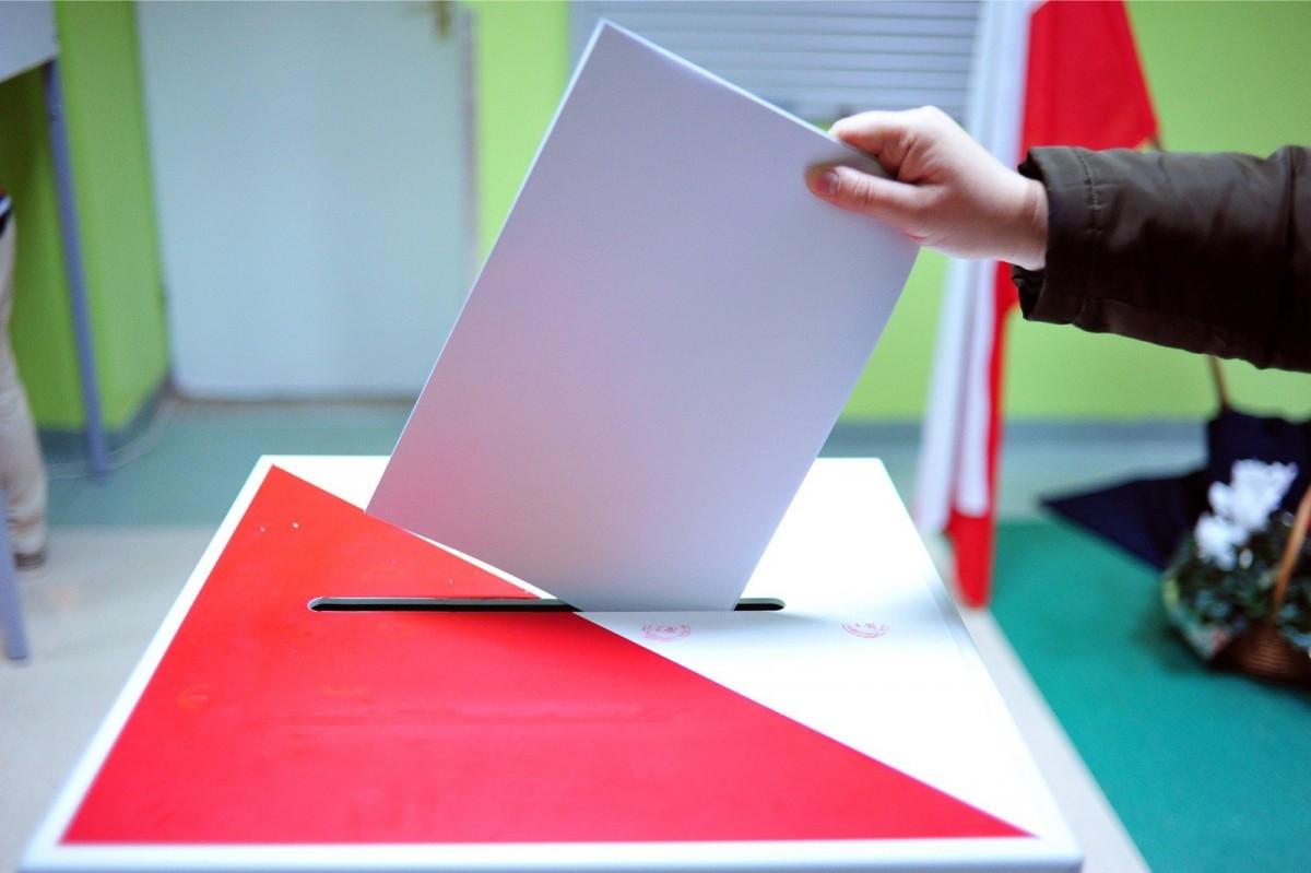 Stanowisko burmistrza Michała Pasiecznego w sprawie udostępnienia spisu wyborców