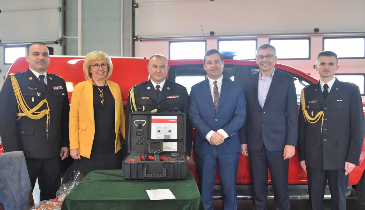 Termowizyjna kamera pomaga strażakom ratować życie i dobytek