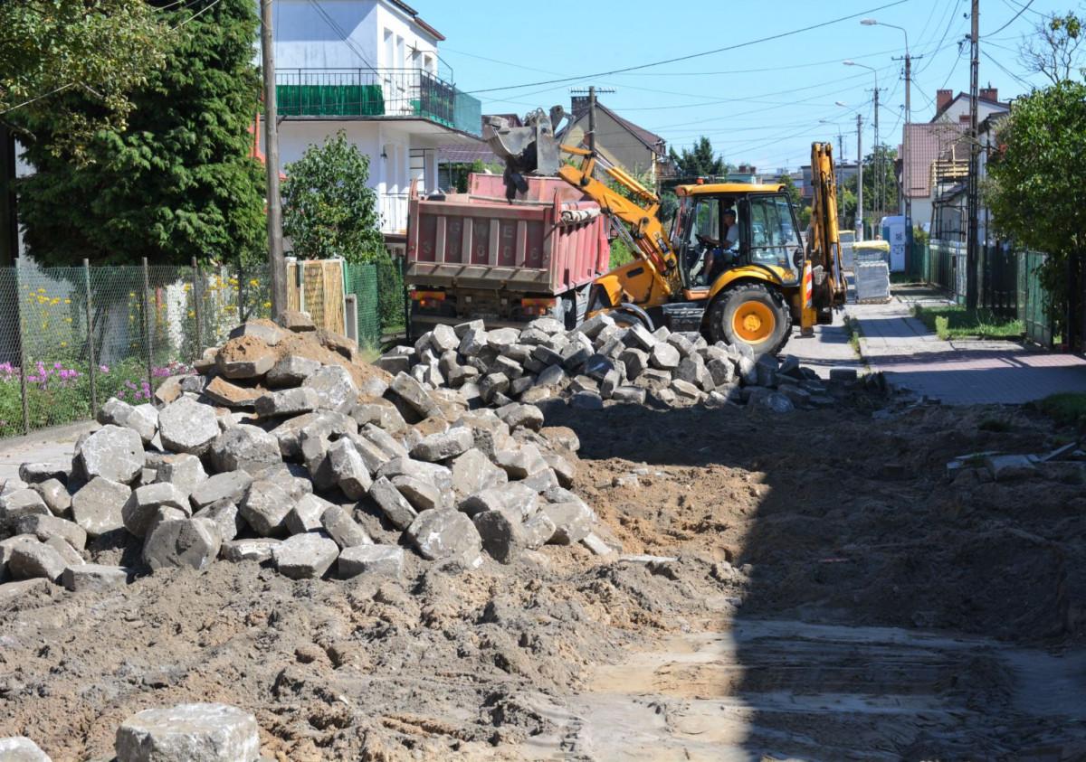 Rozpoczął się remont ulicy Abrahama