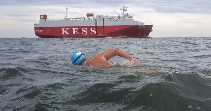 Przeszedł test Neptuna, teraz chce przepłynąć wpław kanał La Manche